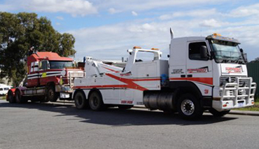 cheap rates and fast truck towing in perth